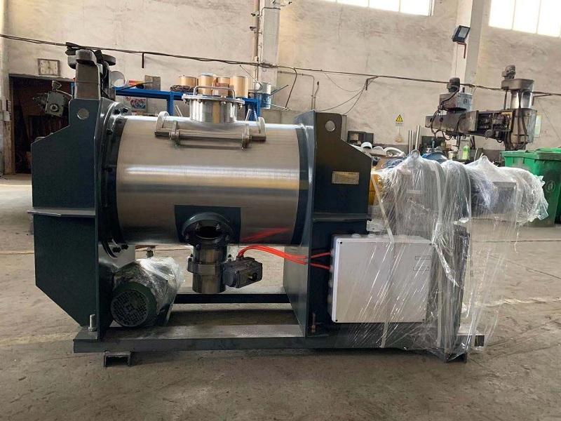 无锡中银200L犁刀混合机成功出口保加利亚